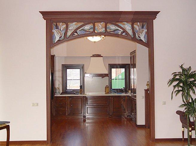 Дверь на кухню аркой