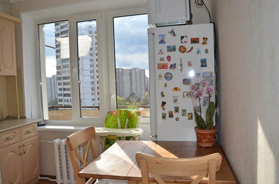 Кухня с выходом на балкон 8 метров дизайн