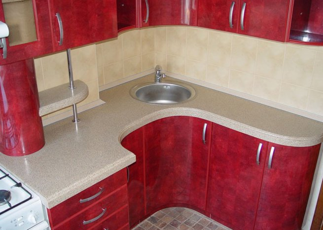дизайн красной кухни 6 кв. м