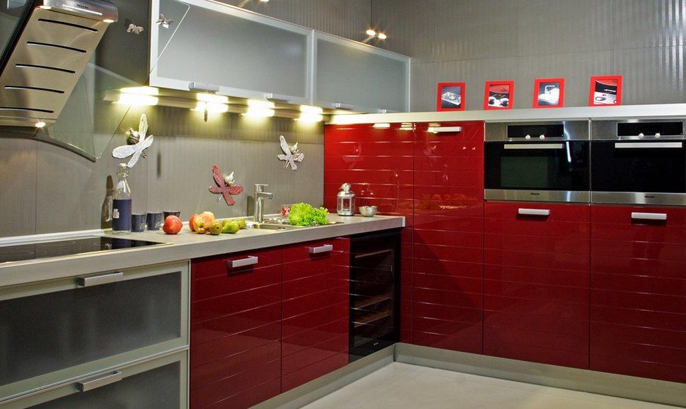 Кухни дизайн фото красные