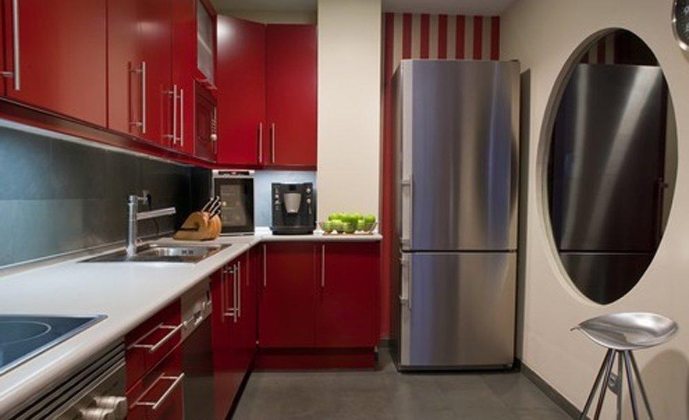 Кухни дизайн фото красная